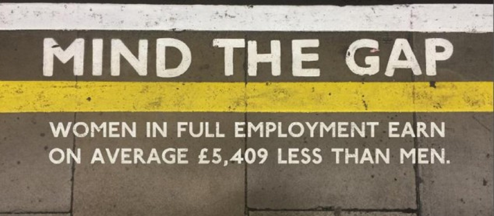 Mind the gap written on train platform